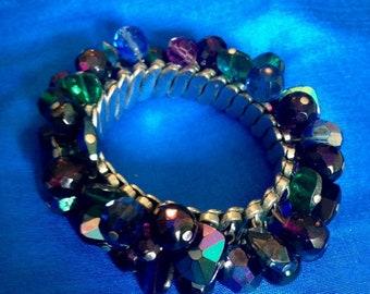 Vintage beaded expandable bracelet
