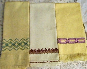 3 HUCK Geo TEA TOWELS Yellow Green Brown Purple & Lavender Swedish Embroidery Designs, Sturdy Washable Huck Cotton 16 x 24 1960s Handmade