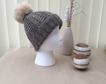 Sailors'Cable Hat - Knitting pattern - available as a PDF download