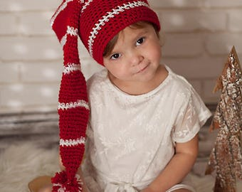 Christmas hat, hand knitted red and white 2/3 years