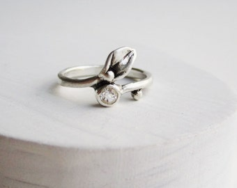 Leaf Ring,Small Leaf Silver Ring with White Topaz