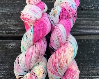 Dahlia, sock yarn, speckled yarn, hand dyed yarn, speckled sock yarn, colorful yarn, indie dyed yarn