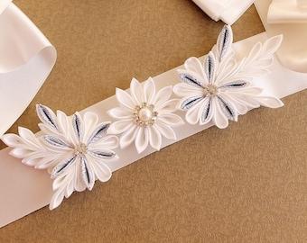 Kanzashi Flower Sash, Ivory Wedding Sash, Floral Bridal Sash, Prom Flower Sash, Wedding Gown Sash, Ivory Bridal Belt, Formal Dress Sash,
