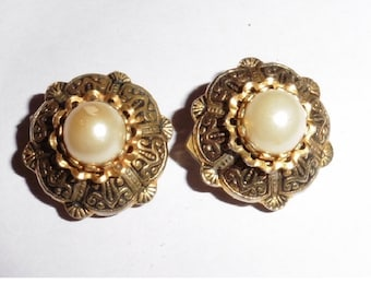 Antique Faux Pearl Gold plated clip on earrings