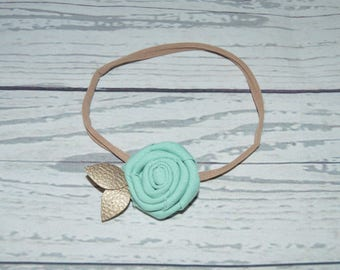 Rosette with leather petals