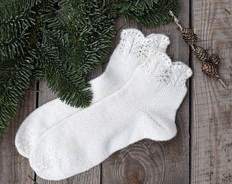 Hand knit bed socks Women lace socks White wool socks Warm accessories Gift for her