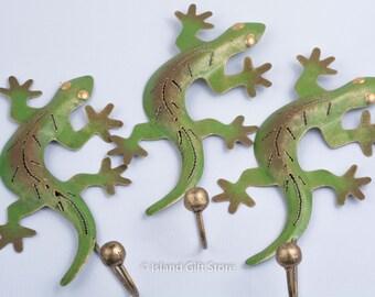 Single gecko hook, Metal Art, Painted Metal Gecko, Wall Hook, Gecko Metal Wall Art