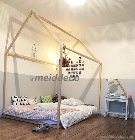 Twin Size Kids Nursery Bed Wooden House Children Bed House