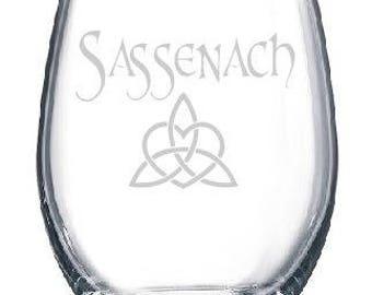 Sassenach Dinna Fash Outlander Theme Claire Diana Gabaldon Wine Drinking Glass Gift Dragonfly in Amber Book Series