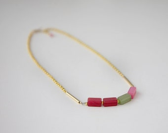 RAINBOW / Colorful and golden beaded necklace