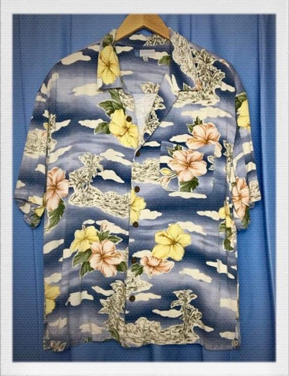 "Vintage Men's Hawaiian Shirt Size Medium 23"" width 29"" length"