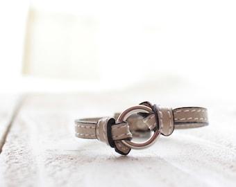 knot bracelet white