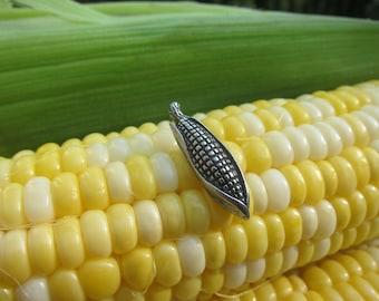 Corn Lapel Pin- CC441- Fall, Corn, Farm, Farming, Vegetable, Farm Stand, and Autumn Pins