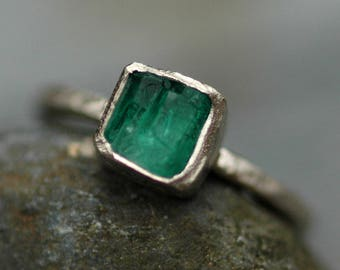 Raw Uncut Emerald on 14k or 18k  White, Yellow, or Rose Gold Ring- Hammered Band- Made to Order Custom Ring