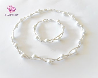 Wedding jewerly set with white pearls