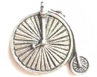 Penny Farthing Cycle Pewter Lapel Pin Badge