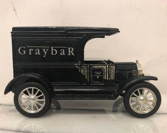 Vintage Replica GraybaR Ford 1917 Model T Van made by Erti (Limted Edition)