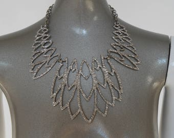 Chunky necklace 70s  silvertone metal