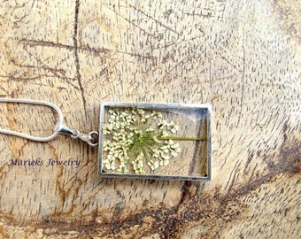 Natural jewelry, queen annes lace flowers, resin pendant, real dried flower jewelry