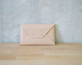 Nude leather clutch bag / Nude envelope clutch / Leather bag available with wrist strap / Genuine leather / Wedding clutch / Bridesmaid gift