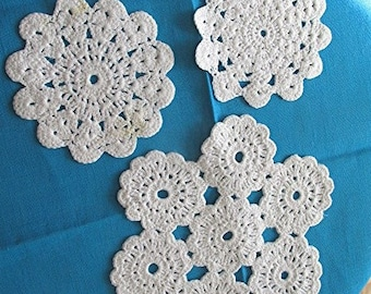 Crochet doilies set of 3 white doily cottage style handmade vintage 70s.