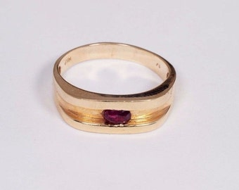 14K Yellow Gold Mens Ruby Ring, Size 13.5