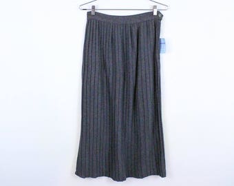 1950s Sue Carson Deadstock Gray Pleated Wool Skirt / Pleats / Seventeen Magazine / New Old Stock / 26 Inch Waist / Solid / Aubrey