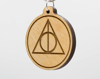 Harry Potter Deathly Hallows Round Keychain - HP Deathly Hallows Keychain - Harry Potter Carved Wood Key Ring - Deathly Hallows
