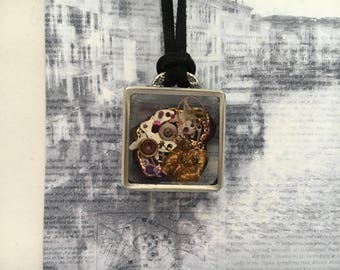 Steampunk Necklace. Watch Parts Pendant. Clockwork Necklace. Resin Jewelry.Neo Victorian Jewelry.Resin Steampunk Terrarium .Pewter Jewelry