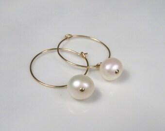 Gold pearl earrings, Pearl hoop earrings, Simple pearl earrings, freshwater pearl earrings