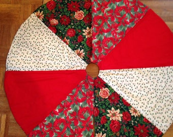 Reversible tree skirt
