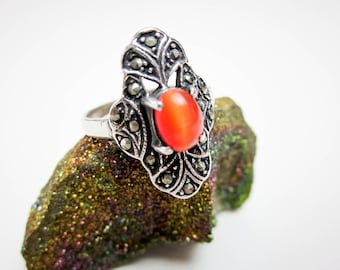 Orange Cat's Eye Beryl Ring, Sterling & Maquesites, Solitaire, 1.5carat, German Vintage 1950s.