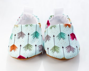 Baby Shoes, Baby Shoes Girl, Baby Shoes Boy, Baby Moccs, Easter Baby Booties, Baby Shower Gift, Modern Baby, Toddler Slippers, New Baby Gift