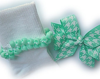 Kathy's Beaded Socks - Seafoam Houndstooth Socks and Hairbow, girls socks, pony bead socks, school socks, houndstooth socks, seafoam socks