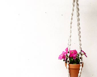 Small Macrame Pot Plant Hanger