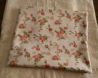 Shabby chic and romantic fabric / 50 X 50 cm / old pink pattern