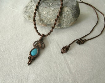 Necklace macrame with semi precious stone: Turquoise