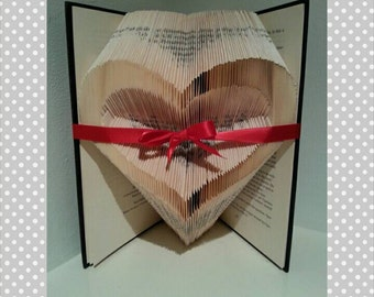"""Book folding pattern for """"A heart with an inverted center"""" +FREE TUTORIAL"""