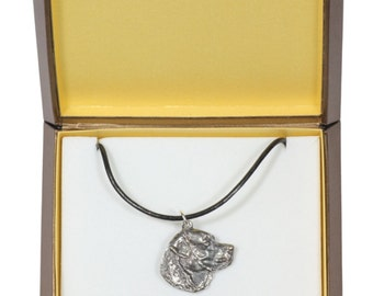 NEW, Labrador Retriever, dog necklace, in casket, limited edition, ArtDog
