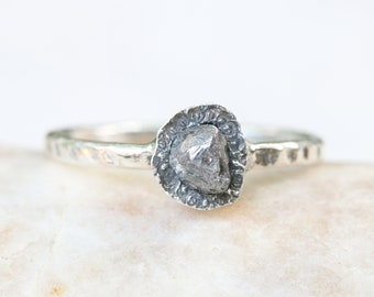 Triangle round gray rough diamond ring in silver bezel setting with hard texture oxidized sterling silver band