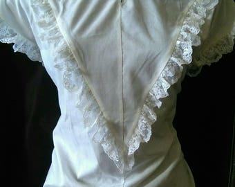 Vintage cream lace blouse sz medium