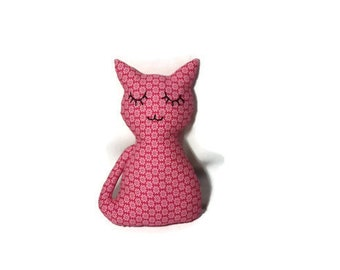 1 Cuddly cat fuchsia fabric