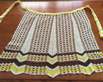 ON SALE NOW!! Vintage Adorable Herring Bone Pattern Crocheted Apron