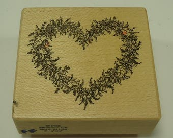 PSX F-797 Floral Heart Wood Mounted Rubber Stamp By Personal Stamp Exchange, Flowers, Flower, Love, Marriage, Wedding, Valentine's Day