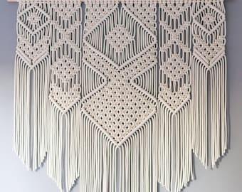 Large macrame wall hanging on pinewood dowel / Wedding backdrop / Tapestry / Macrame decor / Wall art / Woven wall hanging / Bohemian