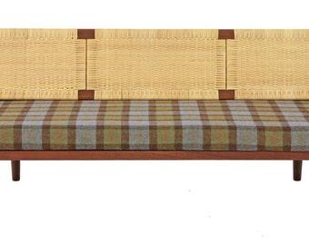 Hans Wegner Teak Day Bed designed by Hans Wegner for Getama circa 1958