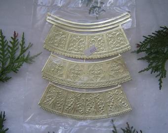 RARE VINTAGE  German Dresden Baskets! Gold Foil Diecut  Victorian Scrapbooking Paper Craft