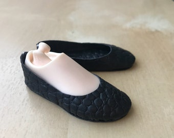 SALES: Basic flat shoes for Minifee doll on box; BJD shoes by Summomo