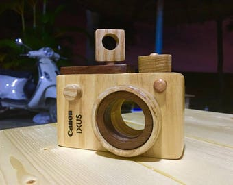 The wood toy camera