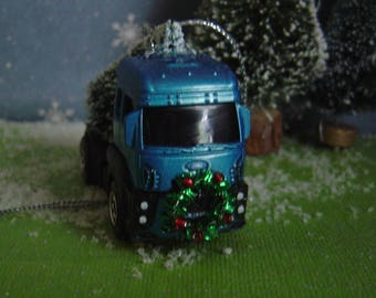 2013 Ford Cargo Truck with Christmas tree ornament